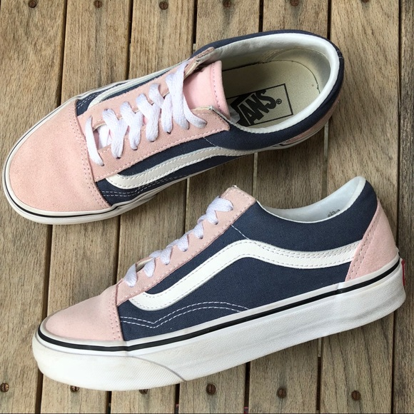 bcd2ccd8e9 Vans Old Skool Chalk Pink and Blue Low Tops. M 5b7645bddcfb5a119127ad6f